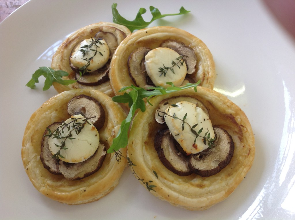 Easy mushroom pastries with Pronto Mama Caramelised Garlic & Jalapeno